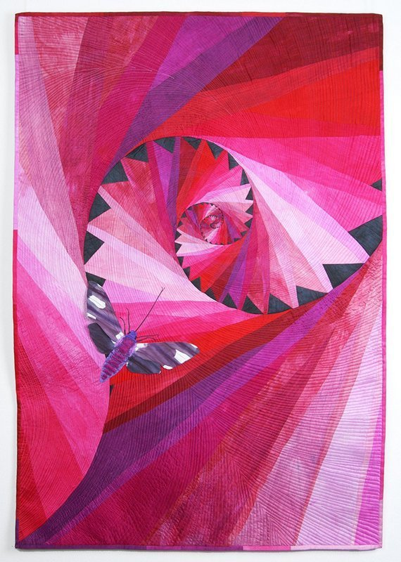 Barbara Lange: Monochrom 14 Magenta Moth Foto: Website patchwork-europe.eu