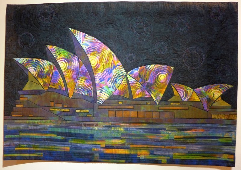 Gloria Loughman: The Opera House, Vivid Festival, Dydney Ausstellung 'Radiant Landscapes' The Festival of Quilts 2015