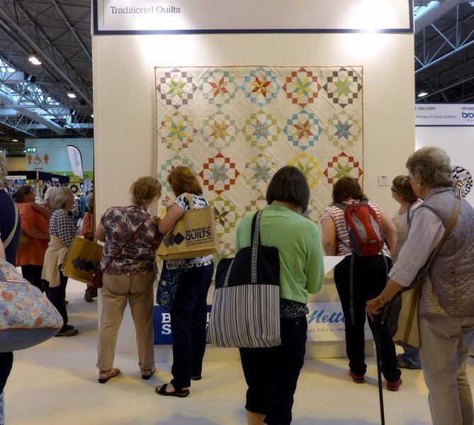 Janette Chilver: Kaleidoscope Winner Traditional Quilts The Festival of Quilts 2015