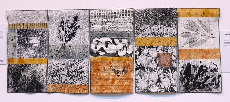 Arbeiten von Charlotte Yde Crossing Oceans Blick in die Ausstellung 'Nature' The Festival of Quilts 2015