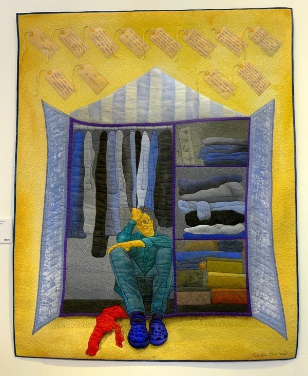 Linda Barlow: Wardrobe Dilemma Ausstellung 'Searching for the Invisible Woman' The Festival of Quilts 2015
