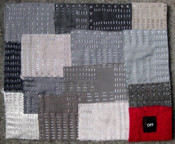 Heidemarie Mönkemeyer (D): Graue Langeweile Ausstellung 'Textile News: Langeweile. Boredom. Ennui.' Foto: Gudrun Heinz