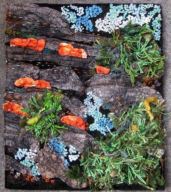 Grietje van der Veen: Watching the mushrooms grow Ausstellung 'Textile News: Langeweile. Boredom. Ennui.' Foto: Gudrun Heinz