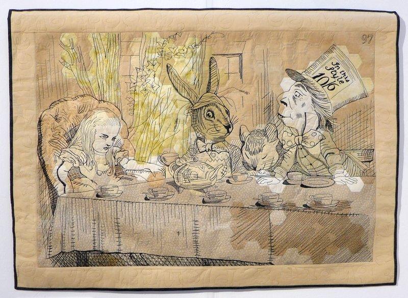 Belinda Bajai: 97 - Tea more Tea Blick in die Ausstellung 'In the Spotlight': Adventures in Wonderland The Festival of Quilts 2015