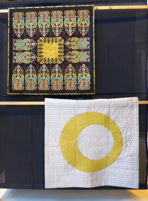 Liz Jones: Pashmina (li oben), Neil MacGillivray: Eclipse (Art Quilts) The Festival of Quilts 2015