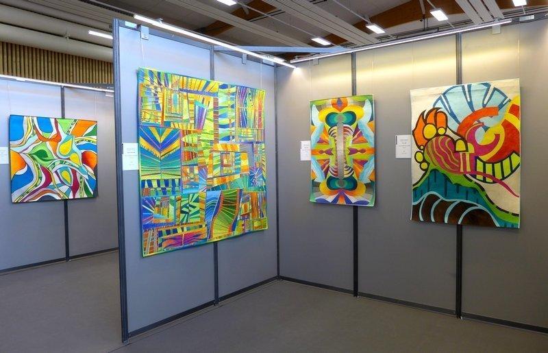 Blick in die Ausstellung von Sheila Frampton Cooper (USA) 'Spontane Abstraktion' 21. Europäisches Patchwork Treffen 2015