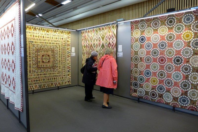 Blick in die Ausstellung von France Patchwork 'Quilts de Légende' 21. Europäisches Patchwork Treffen 2015