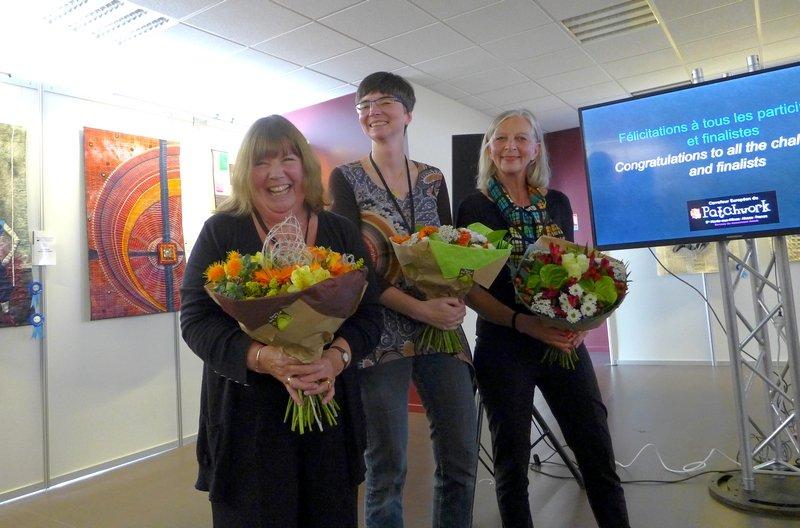 Dr. Sue Marks (UK), Barbara Lange (D), Michèle Samter (CH) Jury des Internationalen Wettbewerbs 'Reflektion' 21. Europäisches Patchwork Treffen 2015