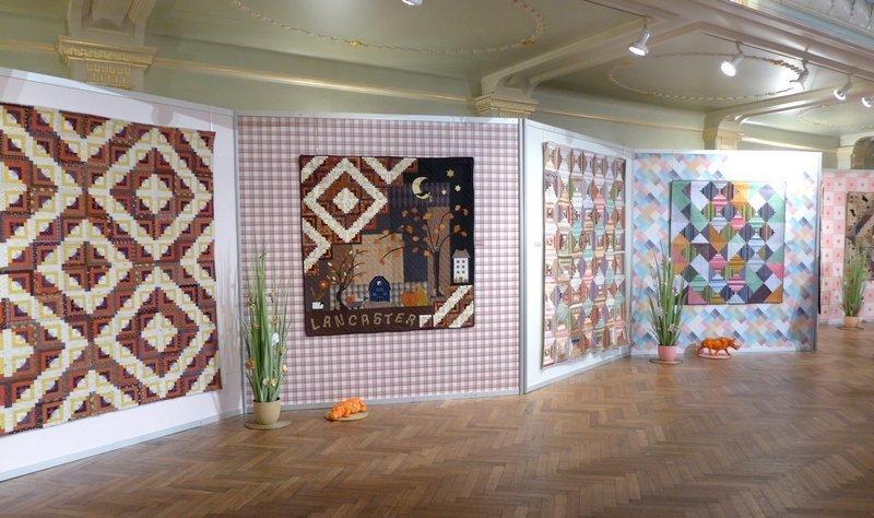 Blick in die Ausstellung 'Log Cabin - zwischen Tradition und Moderne' 21. Europäisches Patchwork Treffen 2015