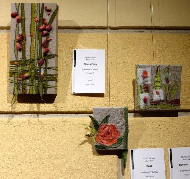 Blick in die Ausstellung von Catherine Tourel (F) 'Textile Natur' 21. Europäisches Patchwork Treffen 2015