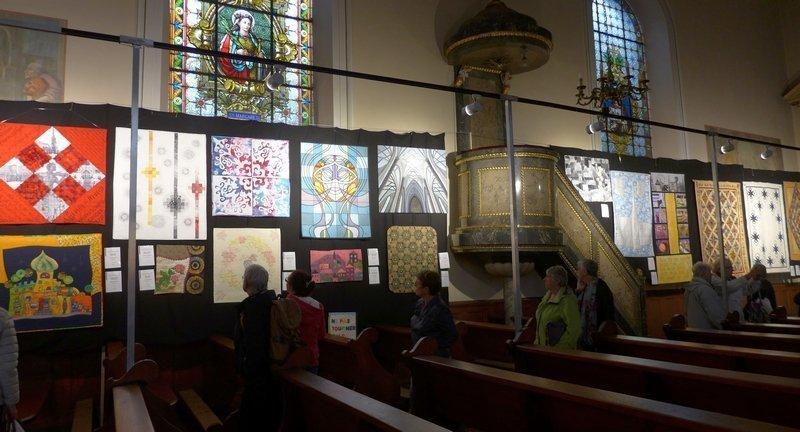 Blick in die Ausstellung 'Textile Impressionen aus Österreich' Europäischer Ehrengast Österreich 21. Europäisches Patchwork Treffen 2015