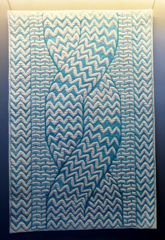 Helen Beaven (Neuseeland): Knit One, Paint one SAQA-Ausstellung 'Redirecting the Ordinary' 21. Europäisches Patchwork Treffen 2015
