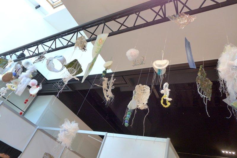 Blick in die Ausstellung 'Persönlicher Ausdruck - die unendlichen Möglichkeiten der textilen Kunst' Mixed Media Art Association (JAP) 21. Europäisches Patchwork Treffen 2015