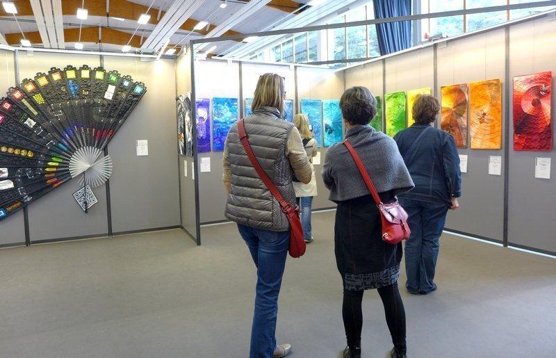 Blick in die Ausstellung von Barbara Lange 'Farbe des Lebens' 21. Europäisches Patchwork Treffen 2015