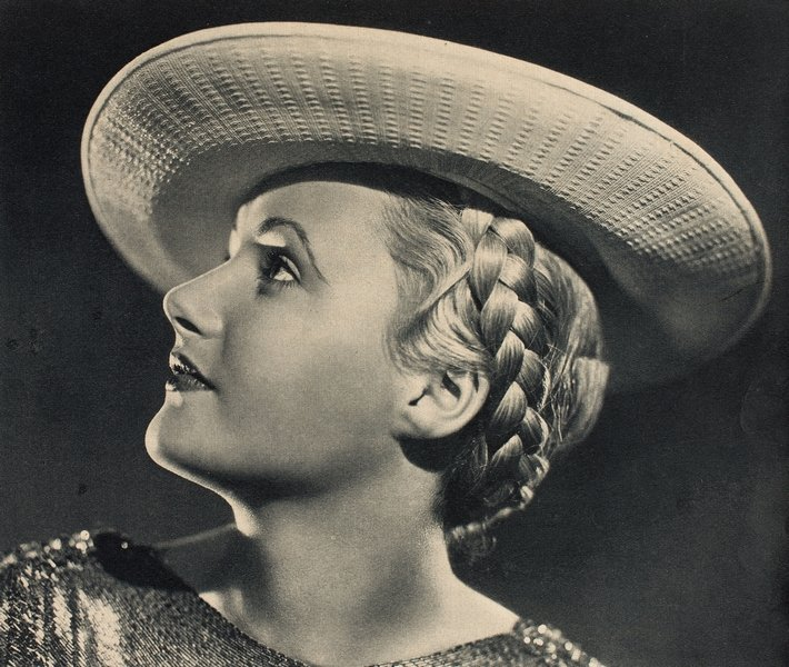 Haartracht, aus der Zeitschrift 'Mode und Heim', 1935 © Münchner Stadtmuseum