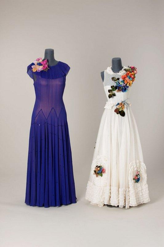 Modelle der Meisterschule für Mode um 1938 Seidenkrepp, Kunstseidentüll, Kunstblüten © Münchner Stadtmuseum