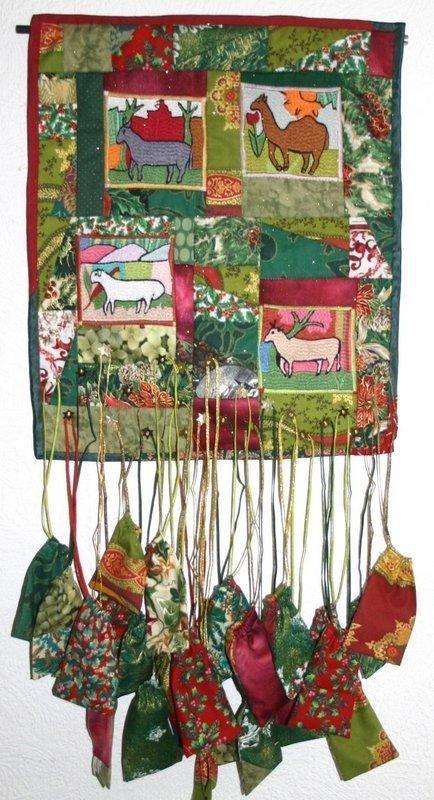 Adventskalender von Martine Molet-Bastien mit den Stickmotiven aus Afghanistan Foto: Pascale Goldenberg