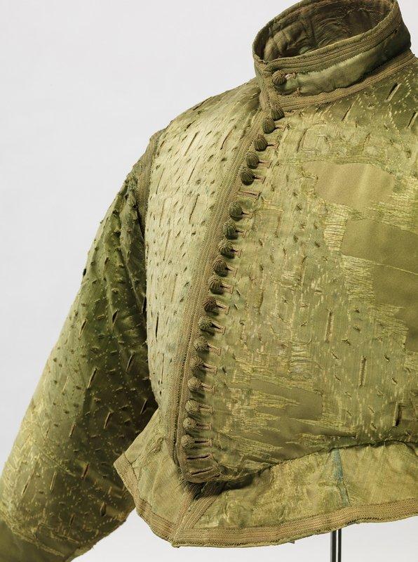 Grünes Wams mit 'Gänsbauch', Detailansicht um 1580/1600, Seidenatlas mit Schlitzmuster über Seidentaft Germanisches Nationalmuseum, Nürnberg