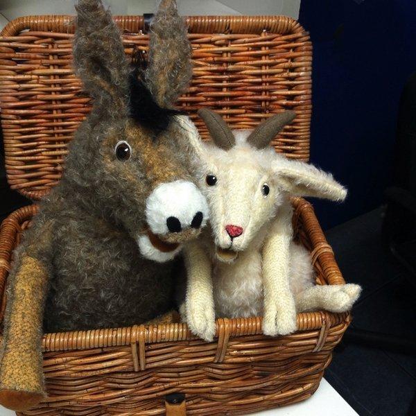 Marie Barleben: Esel und Ziege Handspielpuppen Foto vom Vernanstalter zur Verfügung gestellt