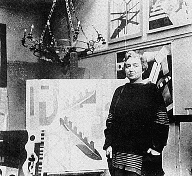 Alexandra Exter in ihrem Pariser Atelier 1920er Jahre Fotograf unbekannt