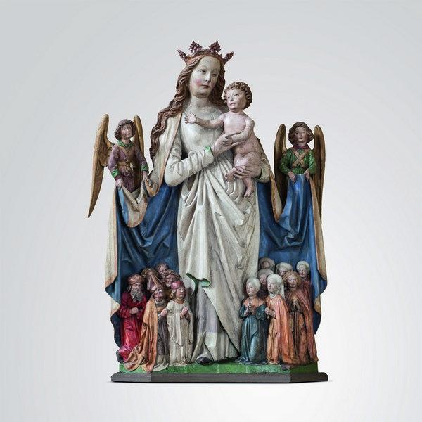 Schutzmantel-Muttergottes aus St. Johannis, Mainz Meister mit dem Brustlatz, um 1500 Holz, freigelegte, stark restaurierte ältere Fassung, 121 x 80 x 22 cm © M. Jacquemin, Frankfurt