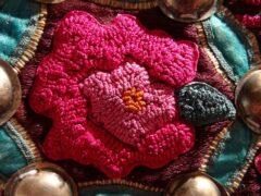 Festjacke Miao, Detail Sammlung Lan Wang Foto freundlicherweise von der Textilsammlung Max Berk zur Verfügung gestellt