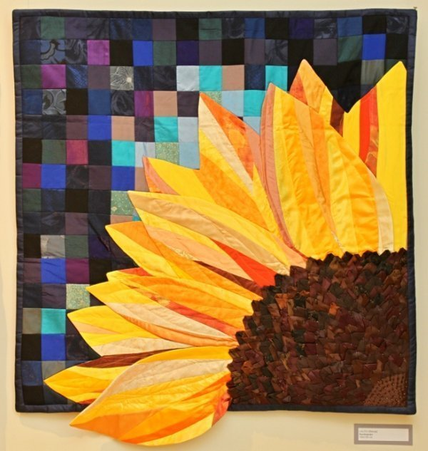 Ausstellung 'Colour Symphony' Arbeit von Lolita Simane