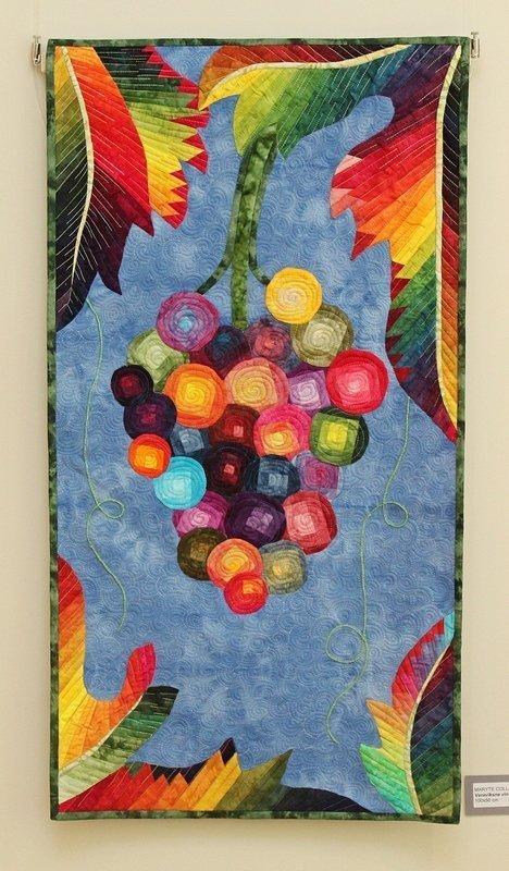 Ausstellung 'Colour Symphony' Arbeit von Maryte Collard