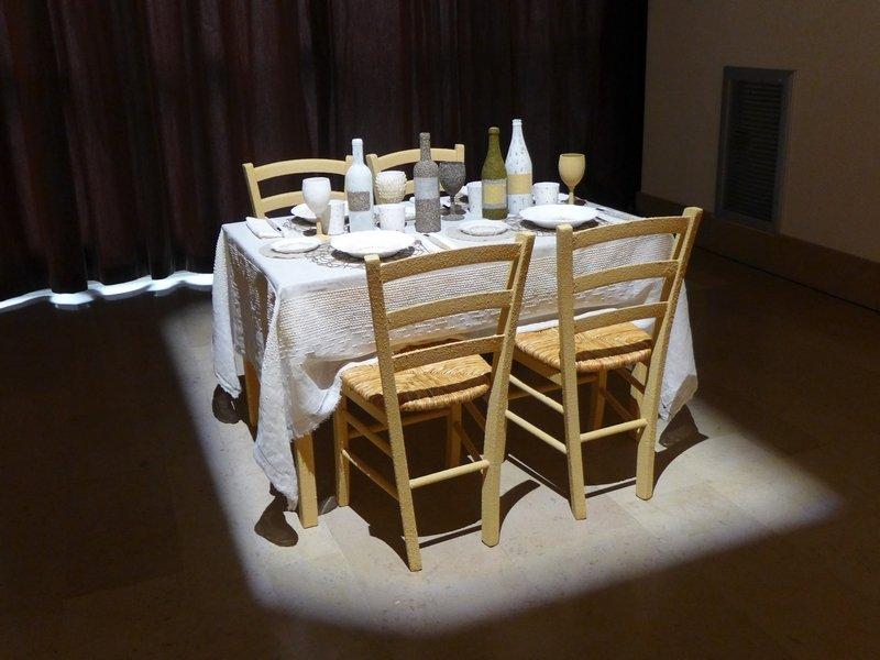 Antonio Bernardo (I): L'Apparecchiato Tavolo Installation begeleitend zur Ausstellung 'Miniartextil 2016'