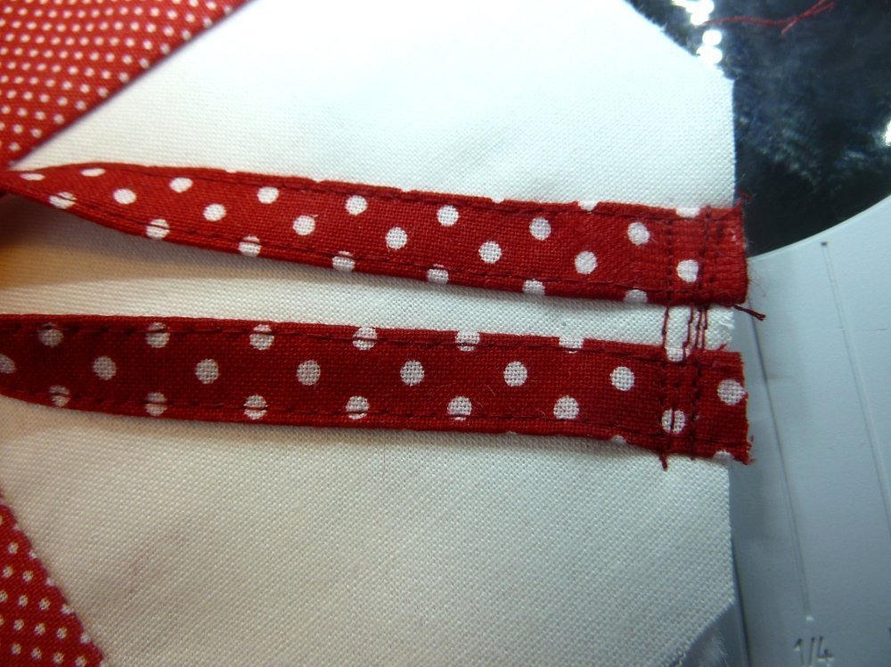 BERNINA-Mitmachaktion 2016: Red and White Quilts: Herzen nähen