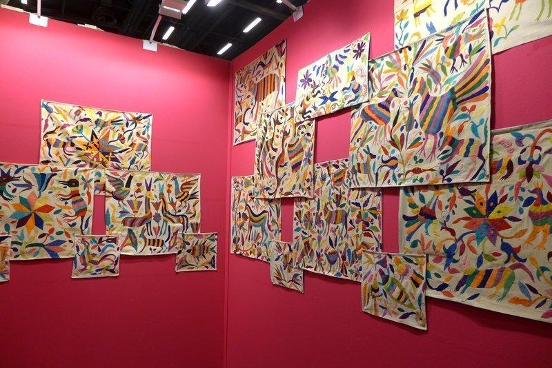 Blick in die Ausstellung 'Tenango' Zusammenstellung aus den Sammlungen von J.-C. Percheron und A. u. S. Breton l'aiguille en fête 2016