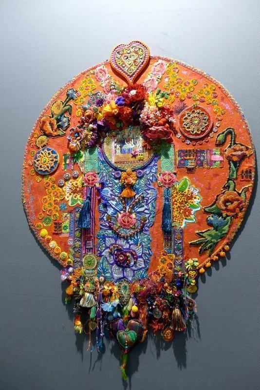 Blick in die Ausstellung 'Imbroglios Textiles' Christine Fayon (Frankreich) l'aiguille en fête 2016