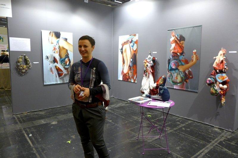 Blick in die Ausstellung von Mona Luison (Frankreich) l'aiguille en fête 2016