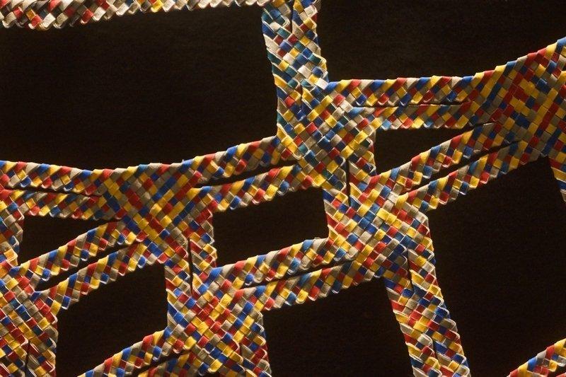 Blick in die Ausstellung 'L'aventurier du tessage', Detail Odon (Frankreich) l'aiguille en fête 2016