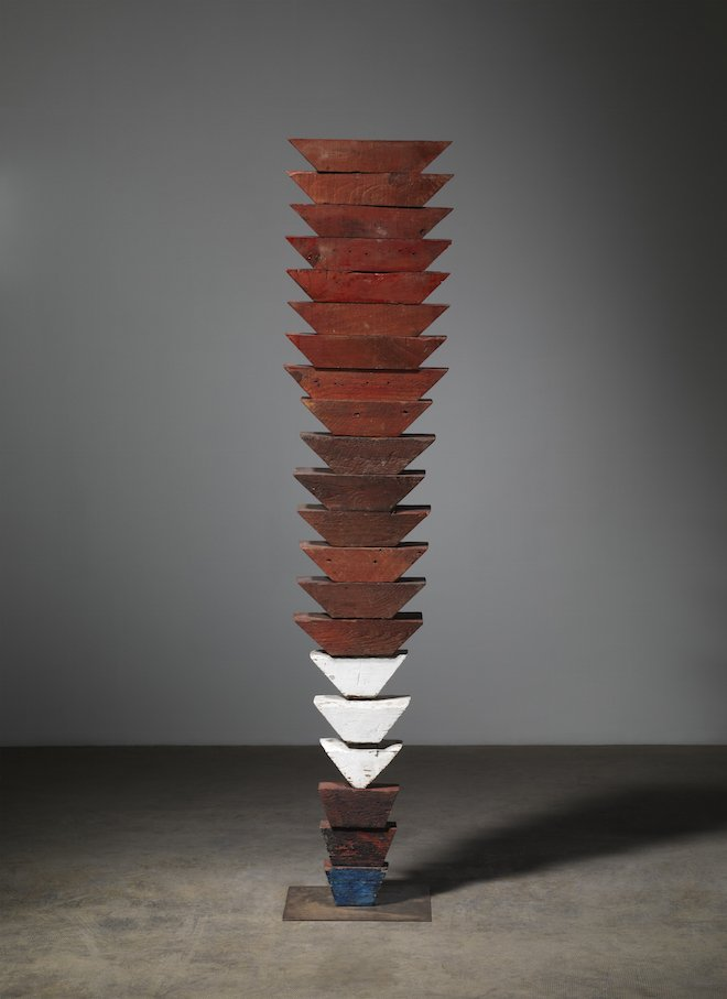 Louise Bourgeois: Untitled (The Wedges) 1950, Wood, painted, and stainless steel 63 x 13 1/2 x 12 in / 160 x 34.3 x 30.5 cm © The Easton Foundation/Licensed by VAGA, New York Photo: Christopher Burke