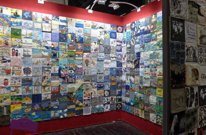 Blick in die Ausstellung 'Projet Patch'' l'aiguille en fête 2016