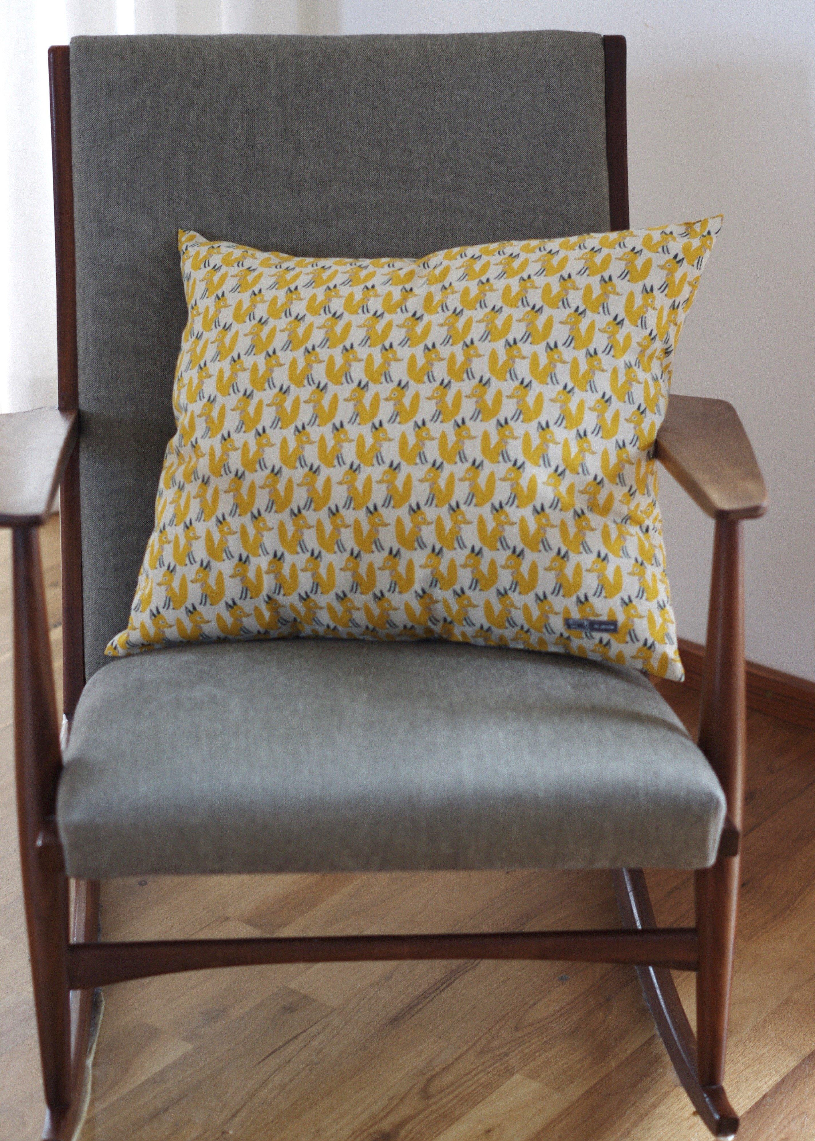 kissenschlacht wie n he ich ein kissen mit rei verschluss bernina blog. Black Bedroom Furniture Sets. Home Design Ideas