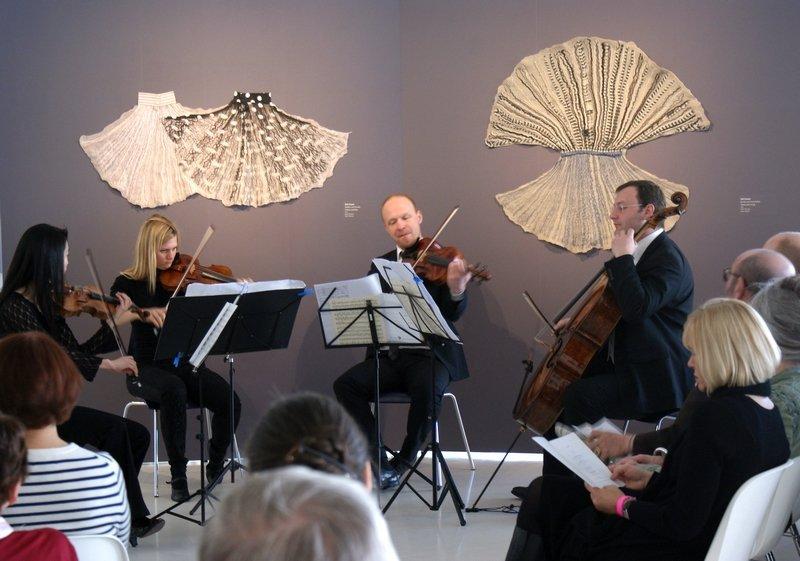 Vernissage der Ausstellung 'Textile Erinnerungen / Remembering Textiles' Leopold-Mozart-Quartett Foto: H. Götz