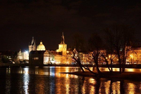 Prag bei Nacht (2012) Foto: Dr. Wolfgang Heinz