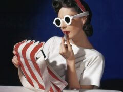 Muriel Maxwell, American Vogue cover, 1 July 1939  © Condé Nast / Horst Estate