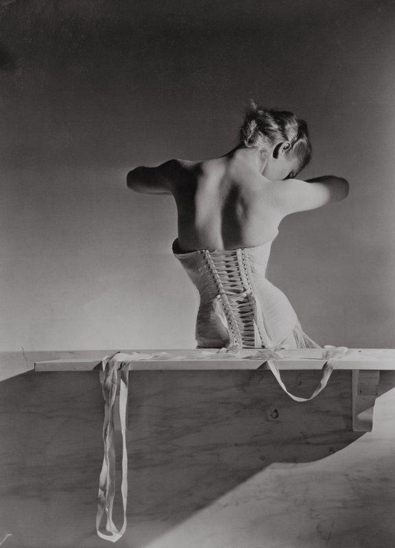 Corset by Detolle for Mainbocher, 1939 © Condé Nast / Horst Estate