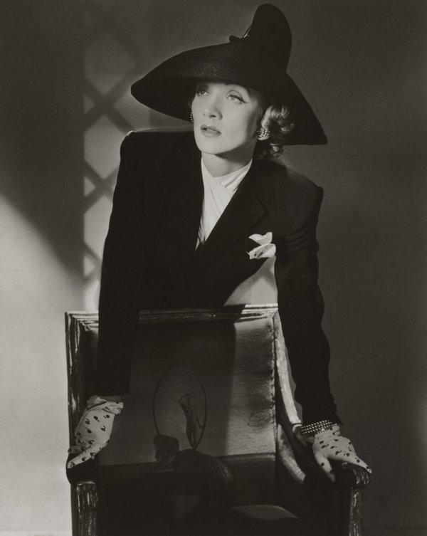 Marlene Dietrich, New York, 1942 © Condé Nast / Horst Estate