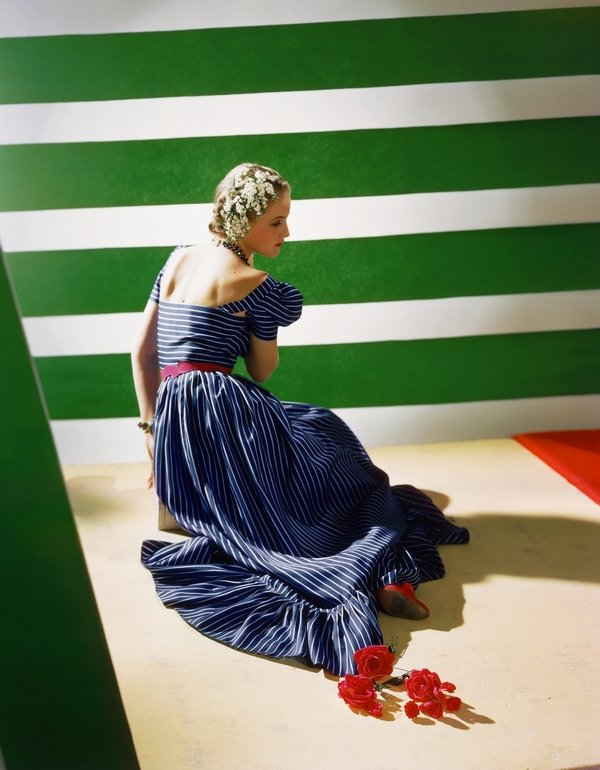 Dress by Hattie Carnegie, 1939 © Condé Nast / Horst Estate
