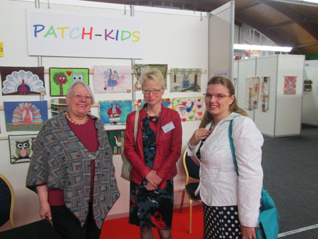 Jana Veresova (rechts) mit Heike Fath und Eli Thomae in Prag 2015