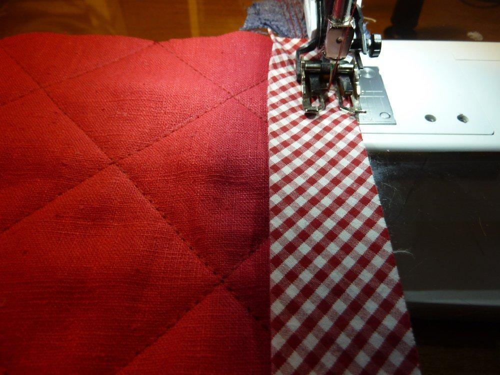 BERNINA-Mitmachaktion 2016: Red and White Quilts: Nähanleitung für ein KIssen