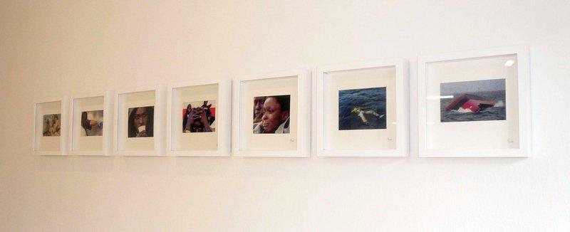 Tanja Boukal: Am seidenen Faden 2007 – 2009 Stickerei auf Leinwand