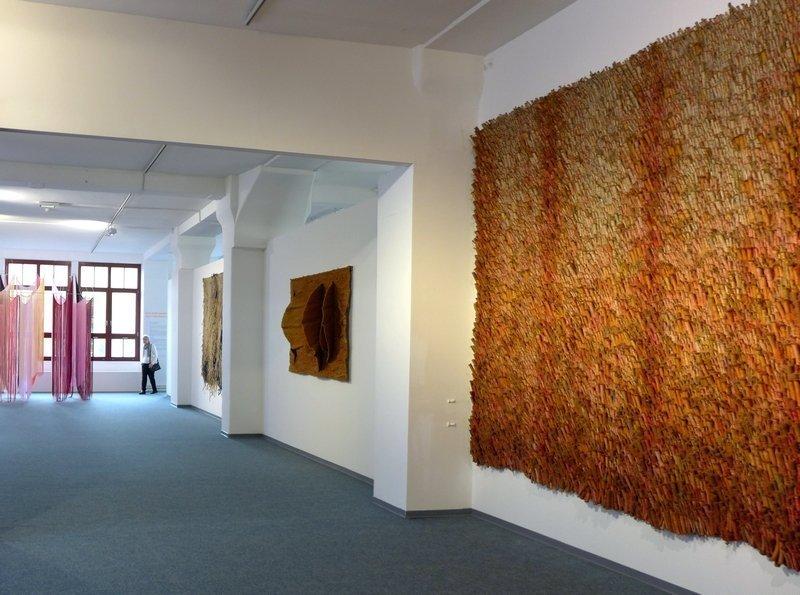 Blick in die Ausstellung 'Aufbruch Textil'