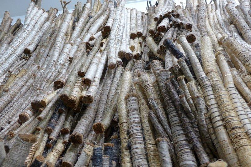 Ritzi Jacobi und Peter Jacobi: Weisses Textilrelief, Detail 2000/2016 Baumwolle, Sisal, Wolle, Kokosnussfaser Leihgabe Peter Jacobi