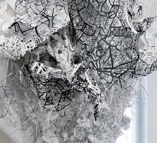 Kim Habers: Innercity 2 2013, Papierschnitt, 4 x 4 x 4 m Foto: Etmee Boeve