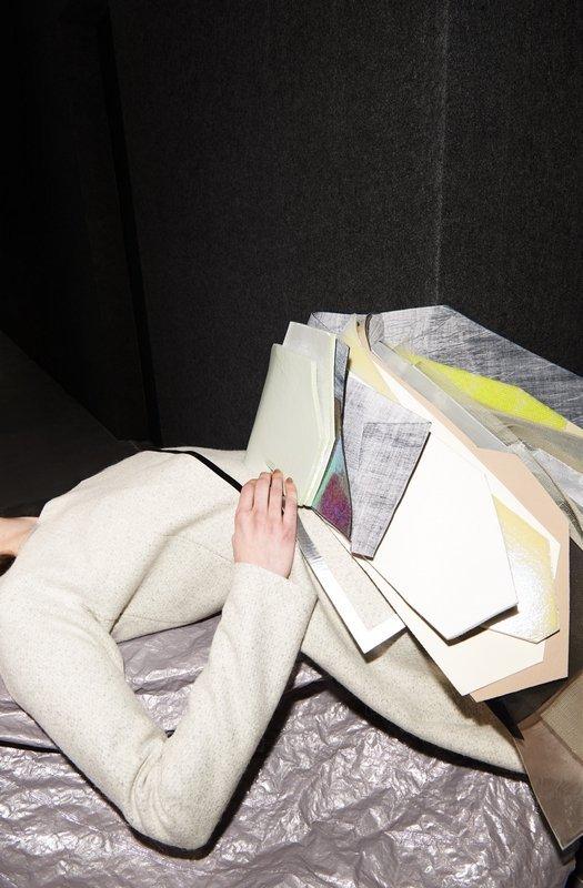 Stéphanie Baechler: Kleid Opalite aus der Kollektion Lodonite, 2013 Wolle, Klebeband, Schaumstoff Im Besitz der Künstlerin Foto: Mirka Laura Severa